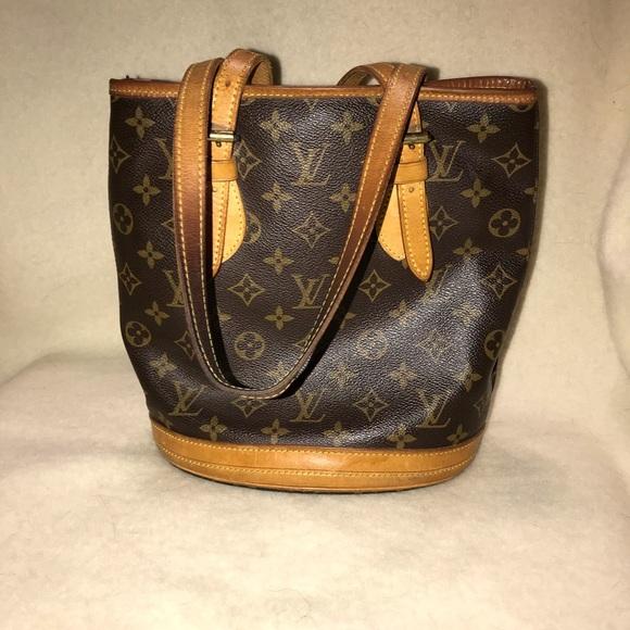 Louis Vuitton Handbags - Louis Vuitton Bucket Bag